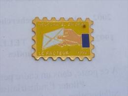 Pin's LE FACTEUR DE NEUFCHATEL EN BRAY - Correo