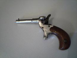 petit pistolet de salon ancien a identifier