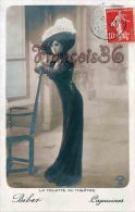 CPA Fantaisie Jolie Fille  - Jeune Femme Artiste Biber Aux Capucines  La Toilettte Au Theatre Opera Artiste Henri Manuel - Artistes