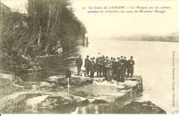 CPA LANGON  Le Crime De Langon  Le Parquet Sur Les Rochers Pendant Les Recherches Du Corps De Mr MONGET 11073 - Langon