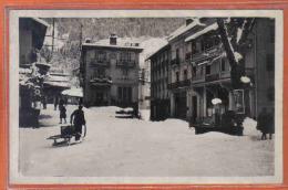 Carte Postale 74. Saint-Gervais  Hotel De La Poste Et Du Commerce Place De L'Eglise Sous La Neige  Trés Beau Plan - Saint-Gervais-les-Bains