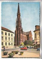 ALLEMAGNE - OFFENBOURG : Une Rue Et L'Eglise ( Automobiles Animation ) CPSM Dentelée GF - - Offenburg