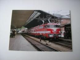 31 - TOULOUSE  * LE TRAIN CAPITOLE A LA GARE DE MATABIAU ANIMEE * ( HAUTE-GARONNE ) - Toulouse