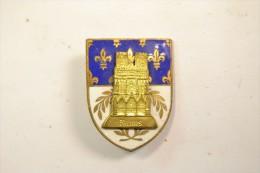 Ancien petit insigne �maill� Cath�drale de Reims (Marne) souvenir de p�lerinage ?