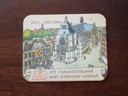 1975 Monumentenjaar DIEST Grote Markt Stella Artois ( Sous Bock / Coaster / Onderlegger ) Zie Foto´s Voor Detail ! - Bierviltjes