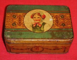 ANTIGUA Y BONITA CAJA METÁLICA DE MEMBRILLO - Old Quince Metalic Box - Cajas/Cofres