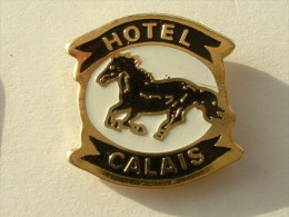 PIN´S CHEVAL - HOTEL CALAIS - Animaux