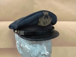 Berretto a visiera Maresciallo Aeronautica Militare Italiana anni '60 completo