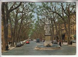 VOITURES - AUTOMOBILES : 2 CV Et DS 19 En Petit 1er Plan à Aix En Provence . Cours Mirebeau. Statue René - CPSM CPM GF - Voitures De Tourisme