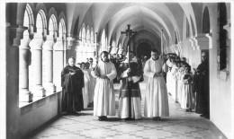 En Calcat  - Procession Dans Le Cloître - Dourgne