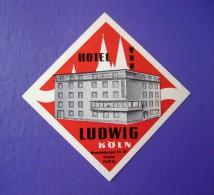 HOTEL PENSION LUDWIG KOLN COLOGNE GERMANY DEUTSCHLAND TAG DECAL STICKER LUGGAGE LABEL ETIQUETTE AUFKLEBER BERLIN - Hotel Labels