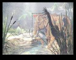 BEQUIA  374  MINT NEVER HINGED SOUVENIR SHEET OF DINOSAURS   #   037-5 ( - Prehistóricos