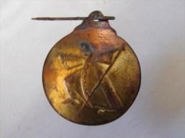 AF. MMB. 114. Médaille En Laiton Avec Personnage Dramatique à Déterminer - Professionnels / De Société
