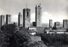 Citt� di S. Gimignano (Siena). Panorama dalla Rocca