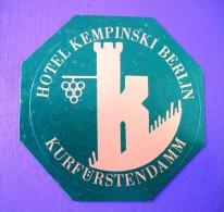 HOTEL PENSION MOTEL KEMPINSKI BERLIN 0 GERMANY DEUTSCHLAND TAG DECAL STICKER LUGGAGE LABEL ETIQUETTE AUFKLEBER - Hotel Labels