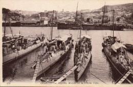 Cpa ORAN, La Défense Mobile Et La Vieille Ville, Navires à Quai (44.76) - Ascension Island