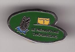 PIN´S - THOUARS - Le Nénuphard Thouarsais - Pêche Loisirs Et Compétition - Cities