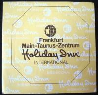 HOTEL PENSION HOLIDAY TAUNUS FRANKFURT GERMANY DEUTSCHLAND TAG DECAL STICKER LUGGAGE LABEL ETIQUETTE AUFKLEBER BERLIN - Etiketten Van Hotels
