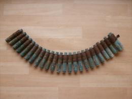 Bande De 25 Douilles Et Maillons De 12,7mm MG US !! - Armes Neutralisées