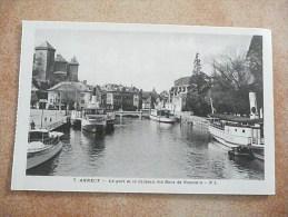 ANNECY - Le Port Et Le Château Des Ducs De Nemours  - (Rare Sous Cet Angle !) - Annecy