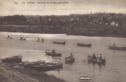 Vichy - Barques De Pêche Sur L`Allier.  S-1791 - Vichy