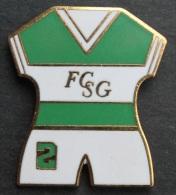 MAILLOT N°2 DU FOOTBALL CLUB SAINT GALL - SUISSE - FOOT - SOCCER -  ST GALLEN SCHWEIZ  -       (10) - Unclassified