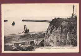 Carte Postale - Dieppe - Falaise Du Pollet Et L'Entrée Du Port - Dieppe