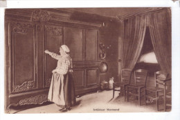 NORMANDIE Types Ancien Interieur Normand Meubles Paysanne Normande - Costumes