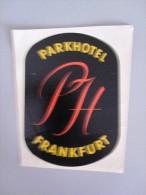 HOTEL PENSION HAUS PARK FRANKFURT MAIN GERMANY DEUTSCHLAND TAG DECAL STICKER LUGGAGE LABEL ETIQUETTE AUFKLEBER BERLIN