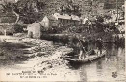 81 Gorges Du Tarn - Sainte-Enimie - Hôtel De Paris Sur Les Bords Du Tarn - Barque - Animée N° 61 - Francia