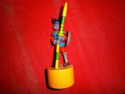 WAKOUWA   CHEVALIER MOYEN AGE - Figurines
