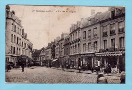 GOURNAY EN BRAY - La Rue De L´Eglise + Nombreux Commerces - Gournay-en-Bray