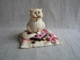 Figurine Comic Curious Cats Chat A3089 Chocoholic 2004. Voir Photos. - Cats