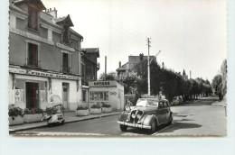 DOMONT - Avenue Jean Jaurés, Voiture Scooter. - Domont