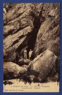 29 CLEDEN-CAP-SIZUN  Baie Des Trépassés, La Grotte Du Vaisseau - Animée - Cléden-Cap-Sizun