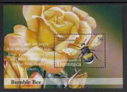 Dominica MNH Scott #2383 Souvenir Sheet $6 Bumble Bee - Dominique (1978-...)