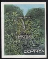 Dominica MNH Scott #693 Souvenir Sheet $4 Trafalgar Falls - Scenics - Dominique (1978-...)