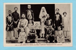 INDOCHINE - ANNAM - Une Famille De Chrétiens Fervents  Dans La Descendance Du Fameux MINH-MANG - Viêt-Nam