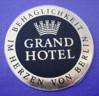 HOTEL MOTEL MOTOR HAUS GRAND GERMANY DEUTSCHLAND ALLEMAGNE DECAL STICKER MINI LUGGAGE LABEL ETIQUETTE AUFKLEBER BERLIN - Hotel Labels