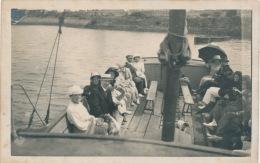 """SAUVETERRE DE BEARN - Belle Carte Photo Représentant Des Touristes à Bord Du Bateau """"DALYA """" En Juillet 1920 - Sauveterre De Bearn"""