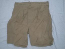 Chort Militaire A Identifier - Uniforms