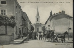 Saint Etienne Des Oullieres La Rue Et L Eglise   Diligence - Ohne Zuordnung