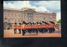 F2856 Band Of Scots Guards Followed By Pipers - London, England - Military, Militaire, Uniformi, Uniform - Reggimenti