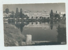 Confolens (16) : L'Hôpital Pris Des Quais  En 1950 GF - Confolens