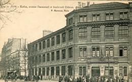 CPA 75   PARIS ECOLES AVENUE DAUMESNIL ET BOULEVARD DIDEROT - Paris (12)
