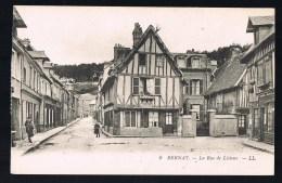 BERNAY . La Rue De Lisieux . - Bernay