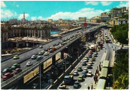 Genova: 100+ OLDTIMER AUTO'S: FIAT 600 MULTIPLA, OPEL KADETT-A, VW 1200 & 1500 VARIANT,RENAULT - Sopraelevata - Italia - Passenger Cars