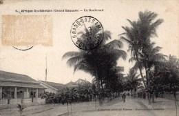 GRAND BASSAM Un Boulevard - Côte-d'Ivoire