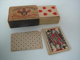jeux de carte mini dans une boite d'allumette en bois allumettes