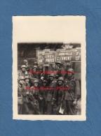 Photo Ancienne - NOGENT Sur OISE - Occupation Allemande - Pancarte CREIL Et LAIGNEVILLE - 1940 - Monchy Saint Eloi - WW2 - War, Military